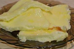 在板材的煎蛋卷 图库摄影