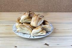 在板材的片状饼干 免版税库存照片