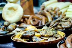 在板材的被烘烤的土豆 免版税库存图片