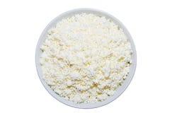 在板材的酸奶干酪在白色背景 顶视图 免版税库存照片