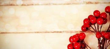 在板条的假红色樱桃 库存图片