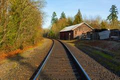 在极光俄勒冈的铁轨 免版税库存照片