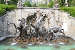 在林德霍夫宫的Neptun喷泉,在Ettal附近德国村庄  免版税库存图片