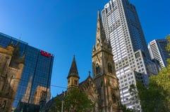 在林斯街道上的苏格兰语教会和Westpac银行大楼在Melb 库存图片