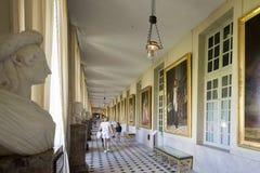 在枫丹白露宫,法国里面的雕象 免版税库存图片