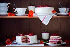 在架子的蛋糕 库存图片