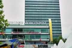在柏林办公楼之外的柏林广播电台标志 库存照片