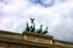 在柏林勃兰登堡门Brandenburger突岩,柏林,德国的支架 库存图片