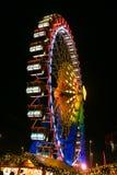 在柏林弗累斯大转轮Neptunbrunnen圣诞节市场,德语 库存照片
