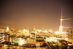 柏林lightpainting电视的塔 图库摄影