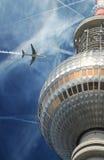 在柏林的平面飞行 免版税库存照片