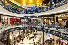 在柏林里面购物中心Leipziger的普拉茨 免版税库存照片