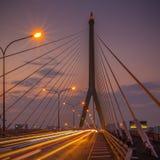 在查奥Praya河的Rama VIII桥梁 免版税库存图片
