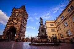 在查理大桥在布拉格老镇,捷克附近的烈士位置 免版税库存图片