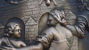 在查理大桥,布拉格的金属绘画 影视素材