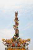 在柱子的龙雕象 免版税库存照片