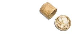 在柳条筐的放出的黏米饭 在与空白的白色背景照片 免版税图库摄影