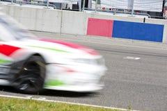 在栅格的赛车 免版税库存图片