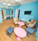 在标准公寓的就座区域在五星旅馆里在Kranevo,保加利亚 免版税库存图片