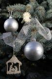 在树的圣诞节装饰 免版税库存图片