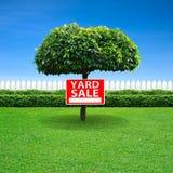 庭院旧货出售标志 免版税库存图片