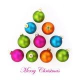 在树的形状的五颜六色的圣诞节球 免版税图库摄影