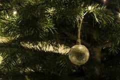 在树的手工制造圣诞节玩具 库存图片