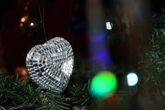 在树的新年玩具 免版税库存图片