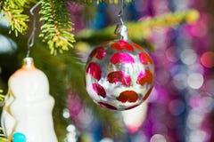 在树的新年的玩具 库存照片