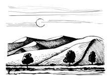 在树背景的沙丘  皇族释放例证