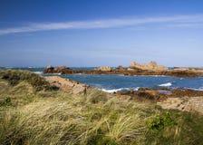 在根西岛,海峡群岛的沿海场面 免版税库存图片