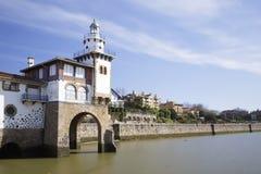 在格乔,比斯开湾,西班牙海岸的Arriluce灯塔  库存照片