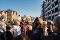 在格但斯克波兰游览中的游人  免版税库存照片