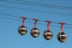 在格勒诺布尔天空的缆车 库存图片