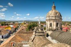在格拉纳达,尼加拉瓜的历史中心的看法 免版税库存图片