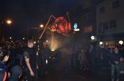 在格林威治和港区国际节日2012年6月23日的下来Insectes罗马路 库存照片