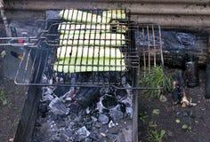 在格栅油煎的夏南瓜 图库摄影