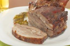 在格栅的烤猪肉腹部 免版税图库摄影