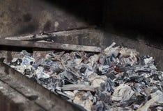 在格栅的煤炭 免版税库存图片