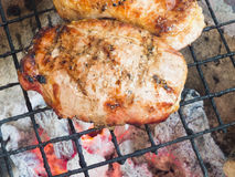 在格栅的猪肉牛排 免版税库存图片