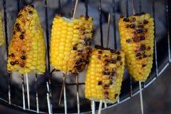 在格栅的玉米 免版税库存图片