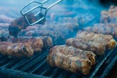 在格栅的肉卷 免版税库存图片