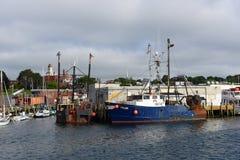 在格洛斯特口岸,马萨诸塞的渔船 免版税库存图片