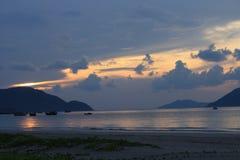在桂海上的日出 库存图片