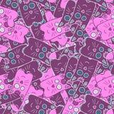 在桃红色和紫罗兰色颜色的无缝的逗人喜爱的小猫猫背景样式 向量 免版税库存图片