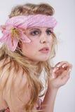 在桃红色样式的时装模特儿 免版税图库摄影