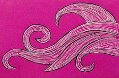 在桃红色背景的打旋的波形 向量例证
