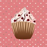 在桃红色背景的蔓越桔杯形蛋糕 免版税库存图片