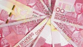 在桌上的印尼盾金钱 股票录像