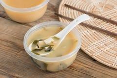 在桌上的大酱汤 免版税库存照片